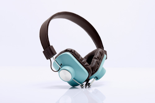 sixand5:  eskuché Control v2 Headphones  Slick vintage design marries high audio quality in these beautiful new contraptions