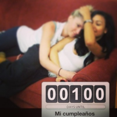Hola. 100 días :D #bday #birthday #heya #nayarivera #heathermorris #naynay #hemo #horris #glee #days #count #numbers #couch #tweet #red #bts #show #tv #happy #love #100 #march #31 #2013