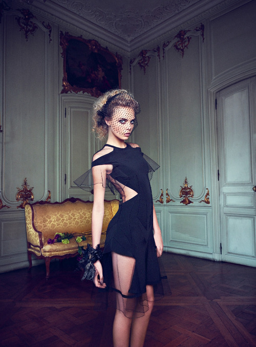 journaldelamode:    Cara Delevigne by Horst Diekgerdes for VOGUE TURKEY