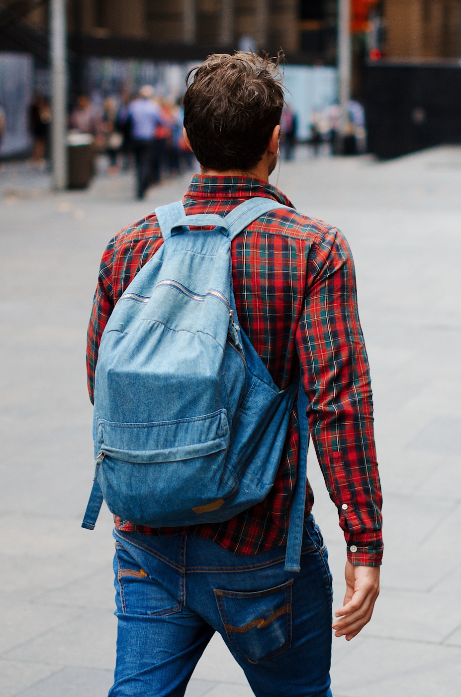 theshinysuitheory:  Too Cool for School  via meninthistown:  Packing chambray.