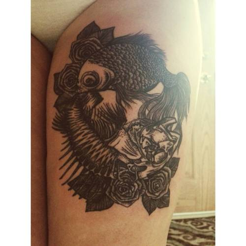 Done by Matthew Briones at Old Town Tatu in Chicago, Illinois.  http://anunshakeableabsence.tumblr.com