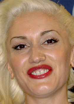celebritycloseup:  gwen stefani