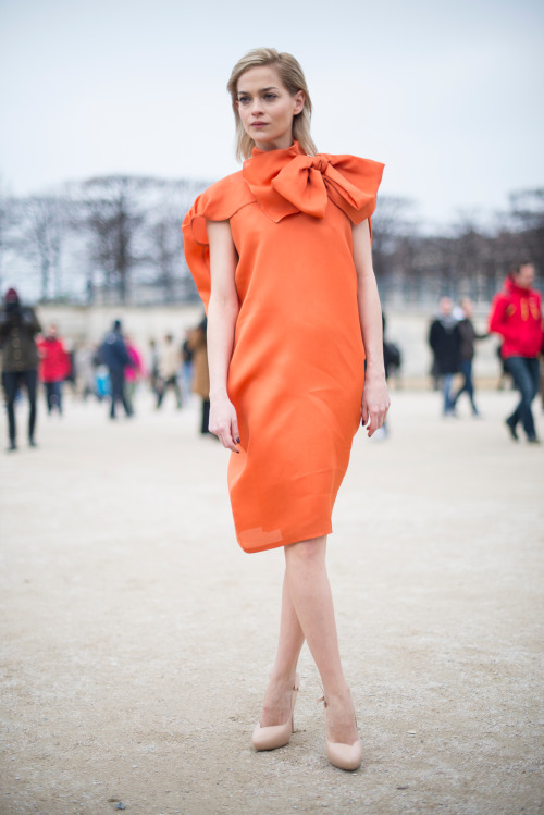 How gorgeous is Leigh Lezark in that orange bow dress?