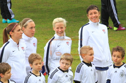 tomturbo:  Pinoe and Abby = fun end of the line. Alex and Whitney = concentration.
