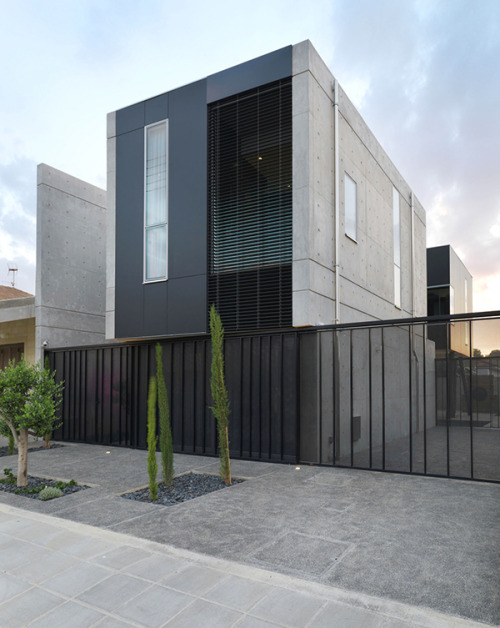 l-e-m-i-n-i-m-a-l-i-s-m-e:  Modern Home in Cyprus | Blending Industrial Elements With Minimalist Design
