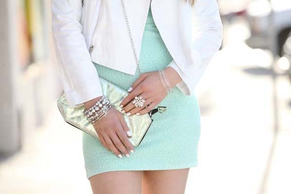 Lauren of Golden White Décor does it better in minty hues & metallics ♥ http://nsty.gl/minty-fresh