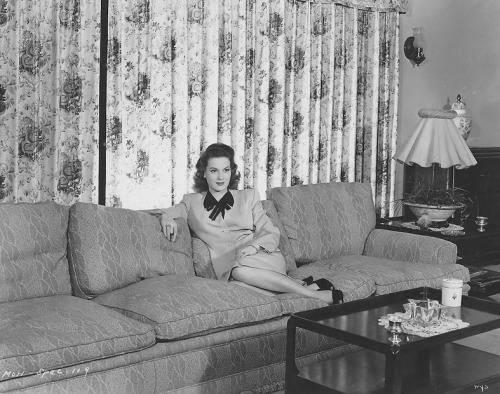 Maureen O'Hara at home- c.1946