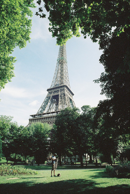 mystic-revelations:  The Eiffel Tower (by Puss.In.The.Hood)