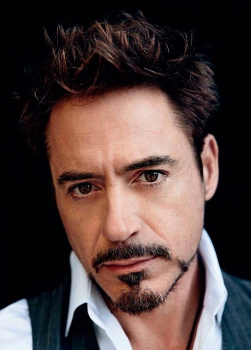 I just… died.. a little bit… this photo is beyond gorgeous! Oh RDJ, you precious human being!