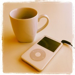 Podcast + retro ipod time + free coffee at Ikea. Came all the way for the meatballs. Was worth it. #ikea #austria #vienna #coffee #dansavage #podcast #metime