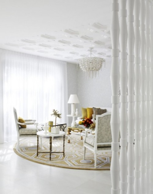 | coco & kelly | Another shot of this beautiful white sitting room complete with wall to wall sheers- such ambiance.  xxDC