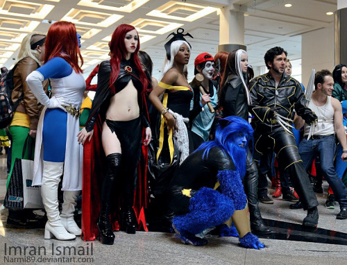 Myself cosplaying Madelyne Pryor.With the X-Men group at Vancouver Fan Expo.(Rinjii as Storm next to me)My Cosplay fan page:https://www.facebook.com/DeziCosplay