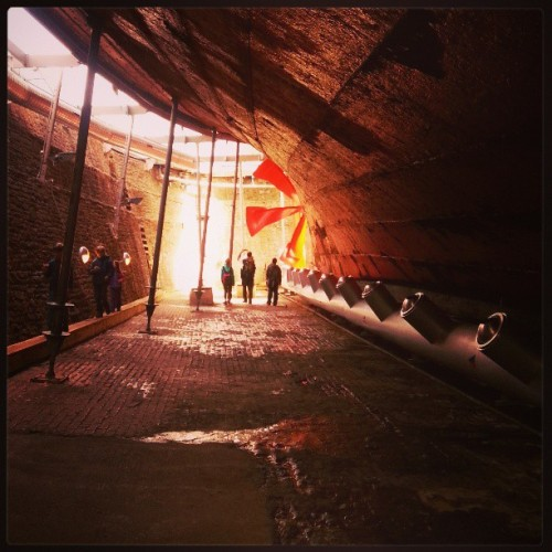 Under #SSGreatBritain … #Bristol #museum #latergram #all_shots #orange #people #tinypeople #ship #nautical #maritime #victorian #metal #rusty #rust #dark #light #корабль #музей #винт #linandara_britain #linandara_built