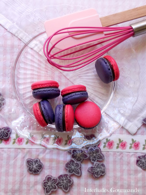 gastrogirl:  lavender macarons with chocolate ganache.