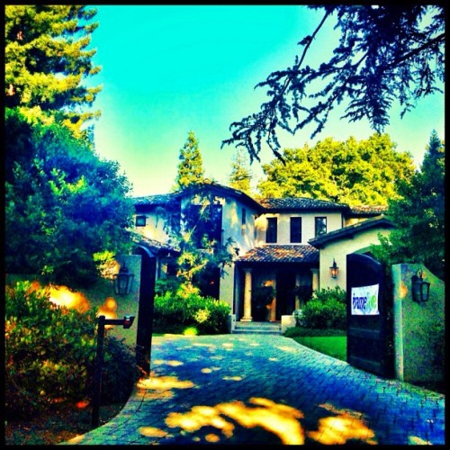 At a Frameline party in suburbia #frameline #atherton #suburbs #mansion #house #suburbia #igerssv