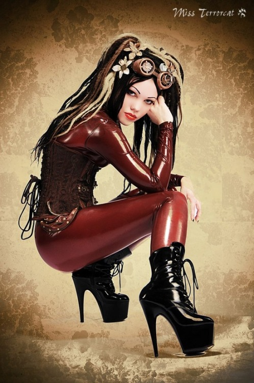 Steampunk Latex http://bit.ly/10JQvC5