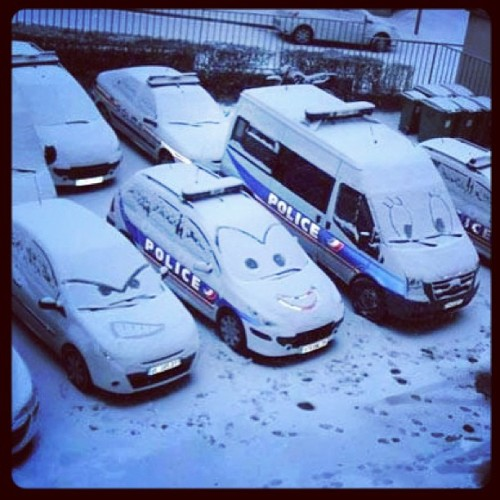 #police #cars #cartoons #winter #london #snow