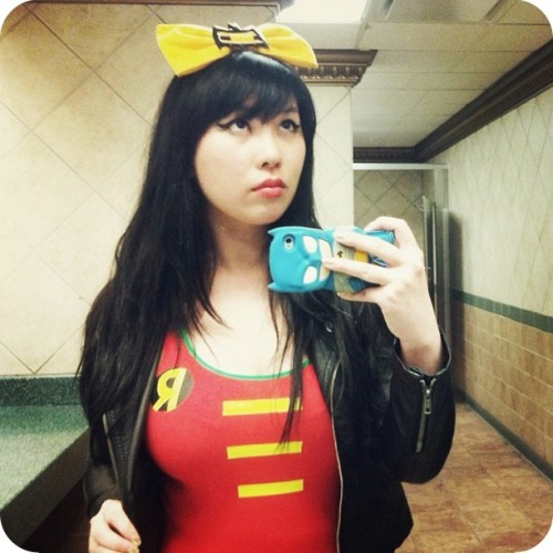 bettyfelon:  What I wore on Free Comic Book Day: yellow Batman bow: handmade/Betty Felonblack motorcycle jacket: Forever 21pins: custom/eBay/etsyRobin dress: WeLoveFine  A quick glimpse of my outfit on Free Comic Book Day this past weekend~