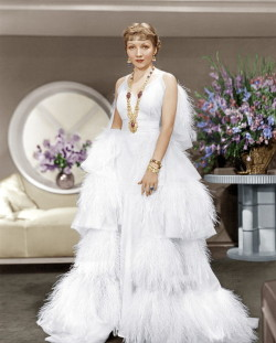 vintagechampagnefever:  Claudette Colbert in The Gilded Lily (1935) Costume design by Travis Banton