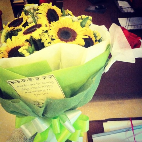 Surprise flowers sent to office! Thank you love @ikmalonn Am a very lucky girl indeed 😘