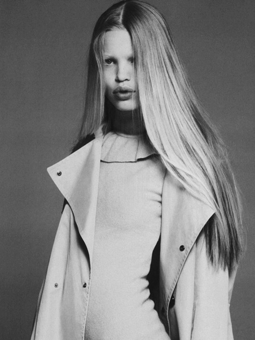 "abigaildonaldson:  Daphne Groeneveld in ""Rive Gauche et Libre"" by Mert & Marcus for Vogue Paris September 2010"
