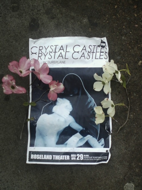 wearecrystalcastles:  portland =roseland theater =tonight (mon apr 29) =