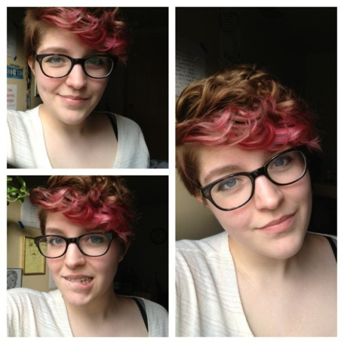 akmelza:  Experimenting with curly hair. #self