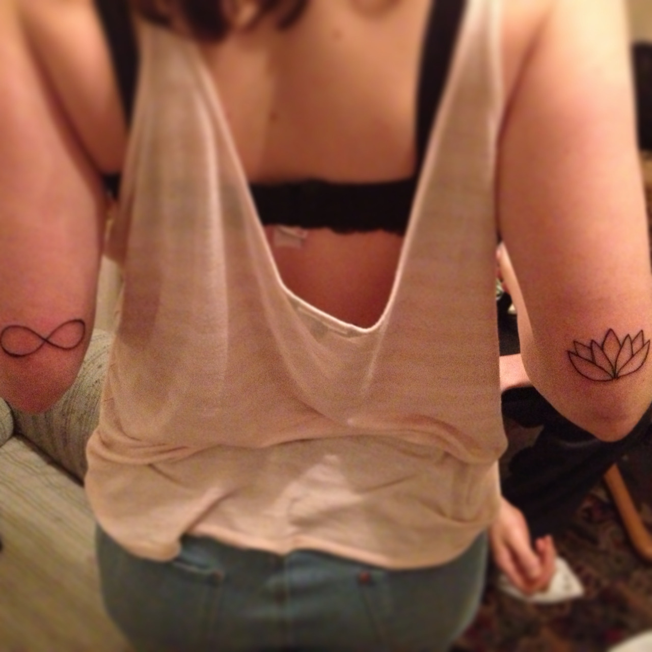 Infinity and lotus ! Thanks to Airial for donating her arms hahaha. *DISCLAIMER: I AM NOT A TATTOO ARTIST, I AM A DUDE WITH A TATTOO MACHINE*