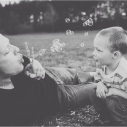 Bubbles & Daddy @saramariefoto #family #photo #studio29 #midwest