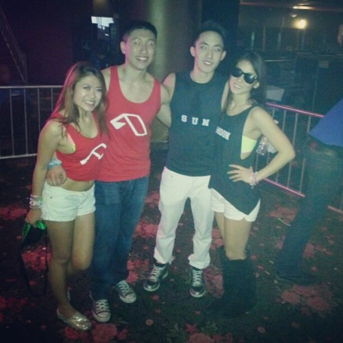 #fycutecouples #me LOL where's jeff/gloria?! @susaleena @xoxjessiica @idkurinstagramandymonkey :p