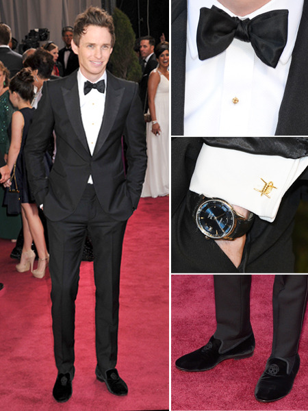 Eddie Redmayne killing it in an Alexander McQueen tux at the Oscars. I covet those velvet slippers and check out the barbed wire McQueen cufflinks!