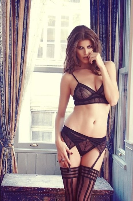 lavinialingerie:  Black #Lingerie Set - Sexy Triangle Bra & Sheer Garter Belt/Lace Thong Panties
