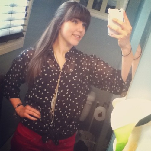 #ootd #polkadot #red #skinnyjeans #nautical #tiedup #brunette