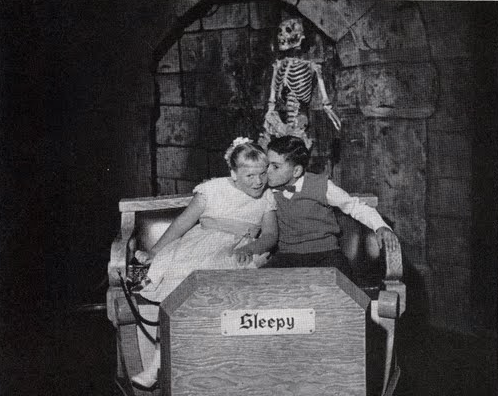 seizethefuturewithxs:  Original Disneyland 1955 Snow White dark ride - Passport To Dreams