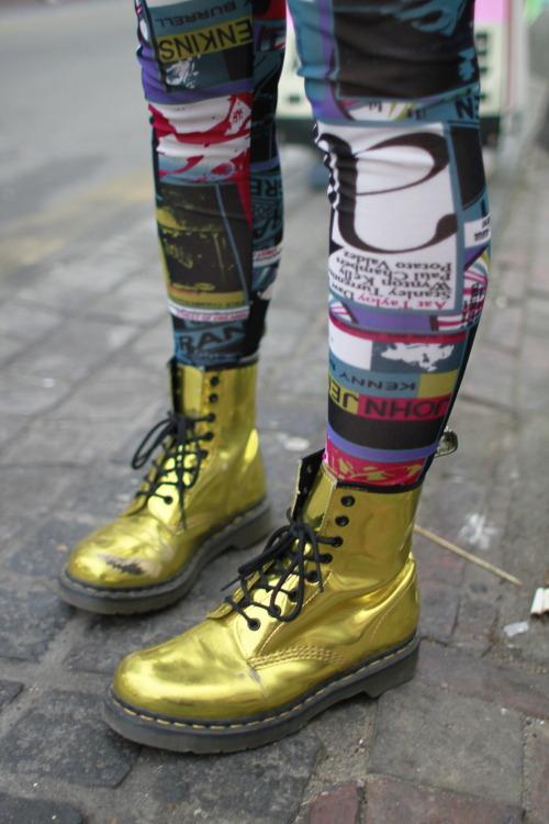 suomigirl:    Nice golden boots. C'est la vie!