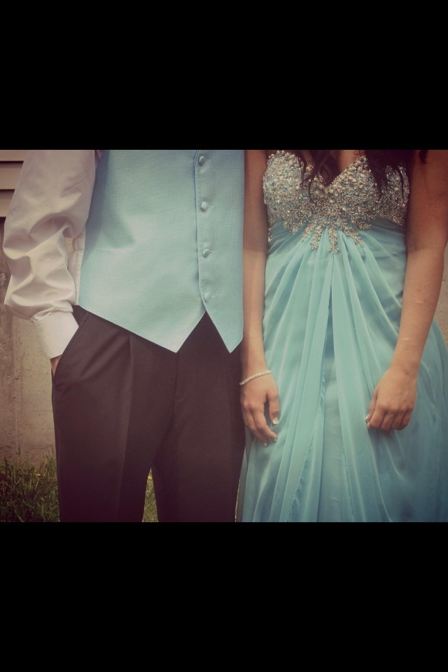 legittttbarbie:  #prom #boyfriend #dress #Alyce #CalvinKlien