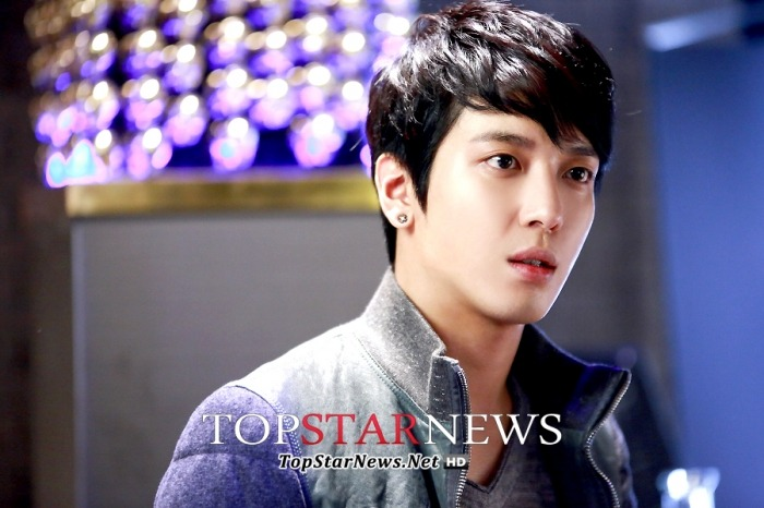 [Dossier] Yonghwa / Park Seju @ Marry Him If You Dare (Future's Choice) - Page 2 Tumblr_mtb16i5F1H1rgxfbio6_r1_1280