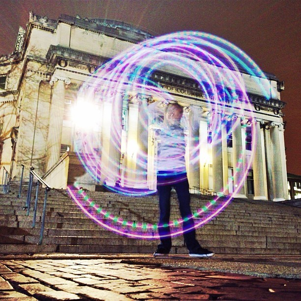 Spinning lights on Low Library steps with #slowshutterapp (at Columbia University)