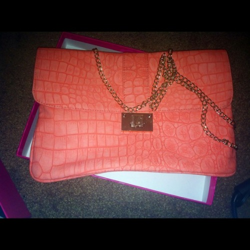 I just added this to my closet on Poshmark: Coral clutch spring collection. (http://bit.ly/12NefLw) #poshmark #fashion #shopping #shopmycloset
