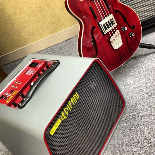 Bass gear in for review from Epifani and Guild