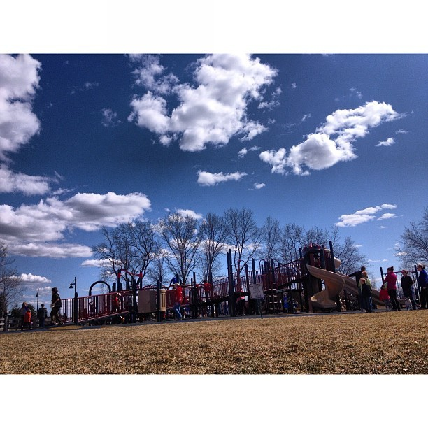 Enjoying the #beautiful day in the #sun. #kskvs #playground #clouds #cloudporn #kids #peoplewatching #spring  (at The Crossings of Colonie)