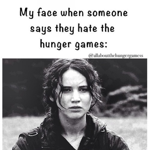allaboutthehungergamess:  REMEMBER THIS ONE GUYS LOL. her face makes me laugh so hard :') who has twitter follow meeee @/ohmarinas. #thehungergames #hungergames #derpasaurusedits