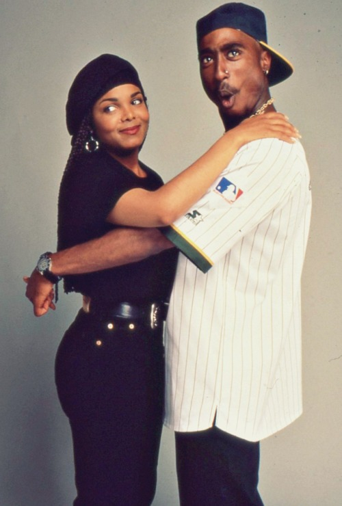 loveashleyassheis:  Tupac & Janet »>Poetic Justice is that movie !