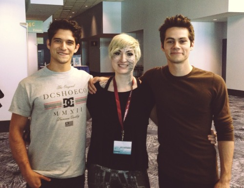 Tyler and Dylan with a fan wearing awwwerssssommme Kanima makeup!