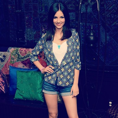 . @victoriajustice at her #summerbreaktour kick off last night! Jacket by @gypsyjunkies shorts by @7FAM