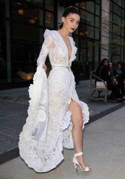 meisels:  suicideblonde:  Rooney Mara in Givenchy on her way to the Met Gala in NYC, May 6th  kills self