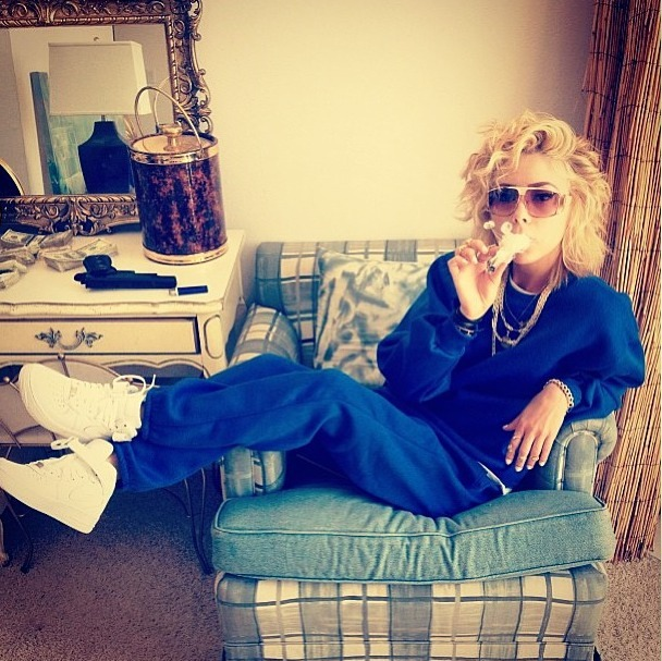 luciisbased:  Debbie Vuitton   Look at my baby chillin