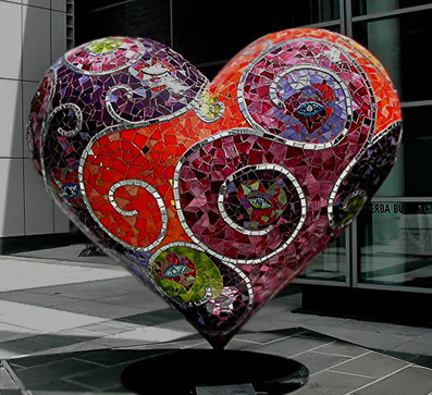 Yerba Buena Mosaic Heart, San Fransisco Laurel True (via Hearts of clay)