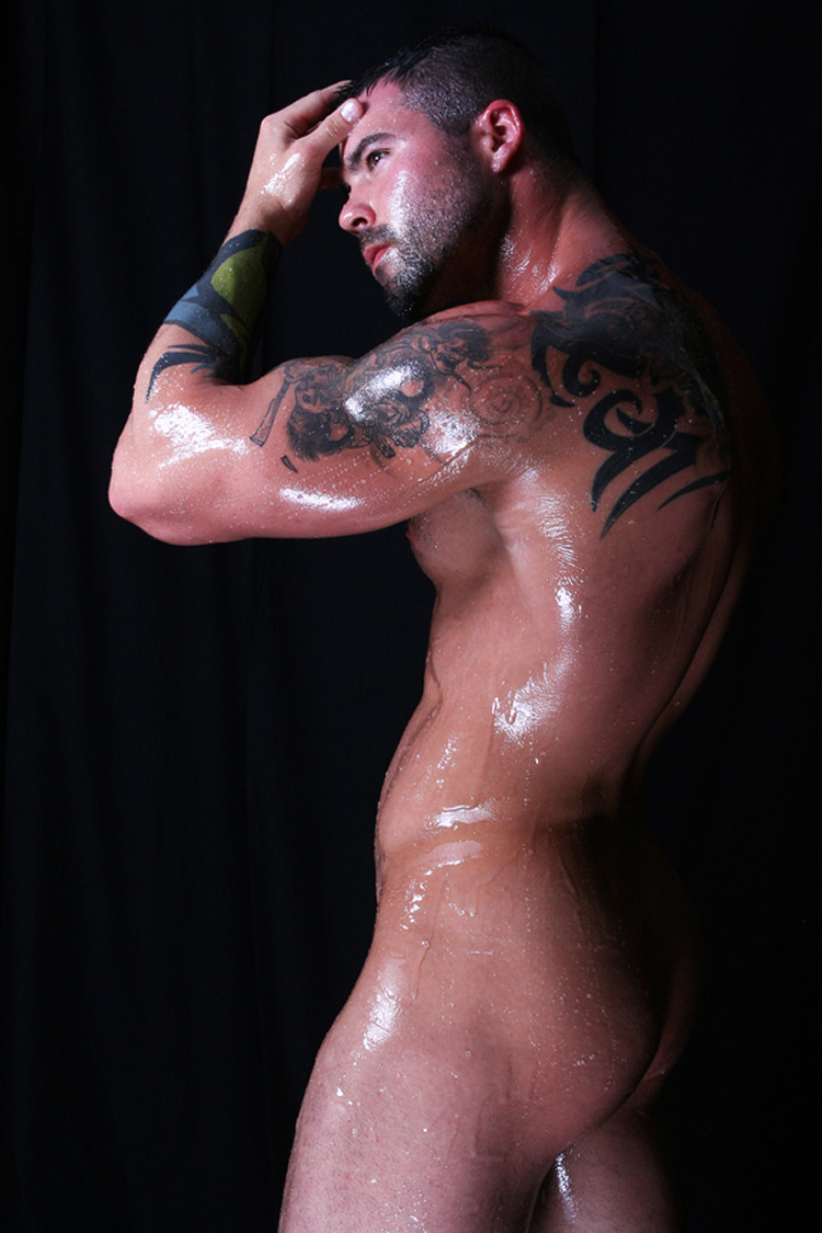 naked-muscle:  Jason Sokody