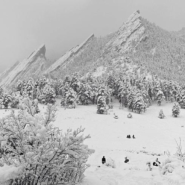 BEAUTIFUL Boulder, #Colorado #Flatirons covered in #snow!